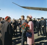 603px-Kennedys_arrive_at_Dallas_11-22-63-e1385060413697