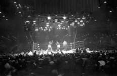 Championship_fight_between_Cassius_Clay_and_Sonny_Liston_Miami_Beach_Florida-e1393276371127