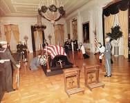 JFK_casket_in_White_House2