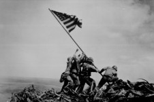 WW2_Iwo_Jima_flag_raising-e1392741980402