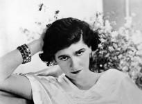 800px-Coco_Chanel,_1920