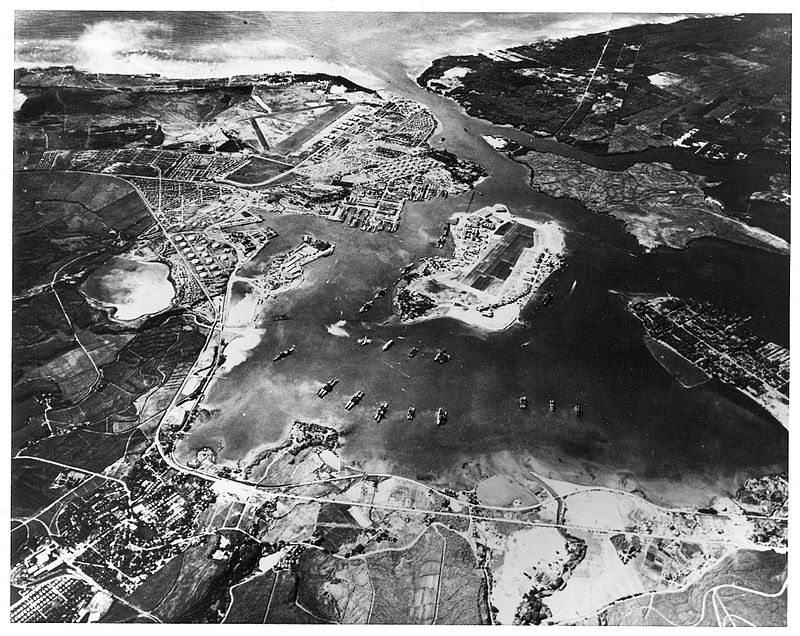 800px-Pearl_Harbor_looking_southwest-Oct41