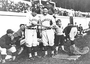 Babe_Ruth__Lou_Gehrig_at_West_Point_1927