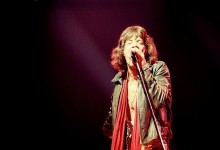 Mick_Jagger_in_red