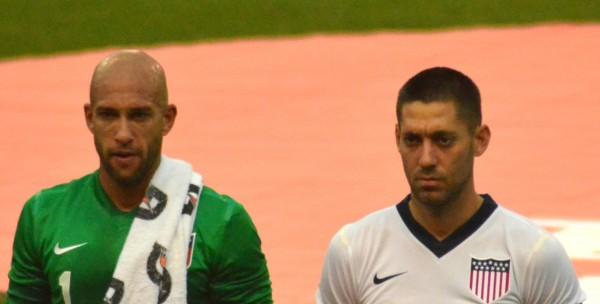 Tim_Howard_and_Clint_Dempsey_vs_Belgium