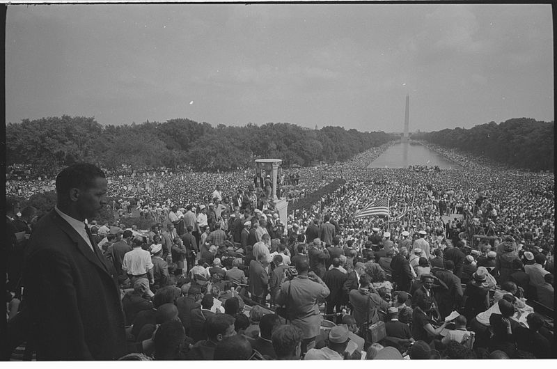 View of huge crowd from Lincoln Memorial to the Washington Monument during the March.  Photographed by Warren K. Leffler. (Aug. 28, 1963). Source: Library of Congress #LC-DIG-ds-04417.