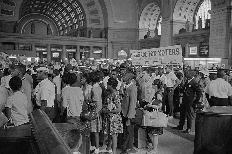 Marchers arriving at Union Station for the March. Photographed by Marion S. Trikosko. (Aug. 28, 1963). Source: Library of Congress #LC-DIG-ppmsca-37240.