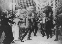 Czolgosz_shoots_President_McKinley_with_a_concealed_revolver,_at_Pan-American_Exposition_reception,_Sept._6th,_1901